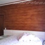 Imitação de madeira em parede de quarto